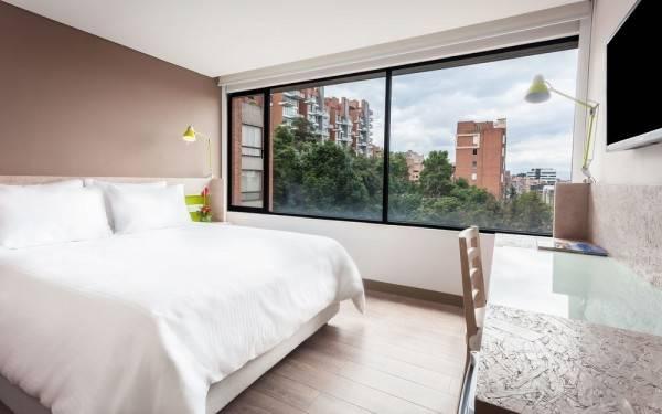 Hotel Mika Suites
