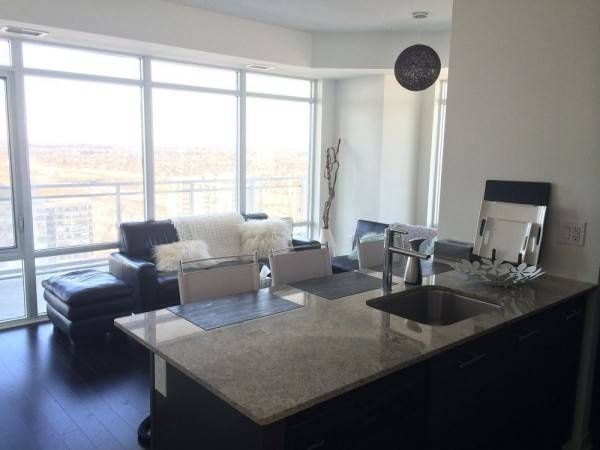 Hotel Square One Luxury Furnished Suite
