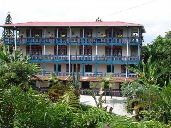 Hotel On Vacation Karlaká