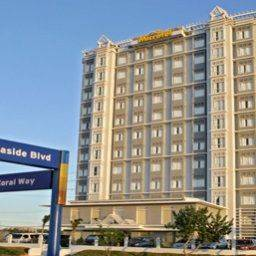 Hotel MICROTEL BY WYNDHAM MALL OF AS