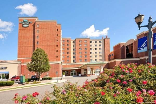Hotel Homewood Suites by Hilton EdgewaterNYC Area