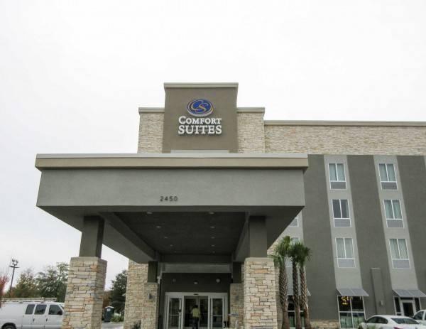 Hotel Comfort Suites N Charleston