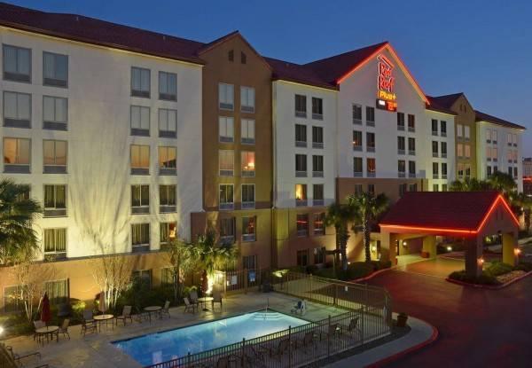 Hotel Red Roof PLUS San Antonio Downtown Riverwalk