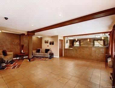 Quality Inn and Suites I-35 near ATT Ce