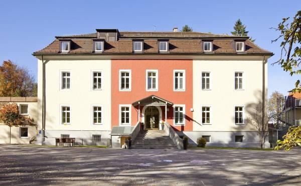 Hotel Karl Eberth Haus