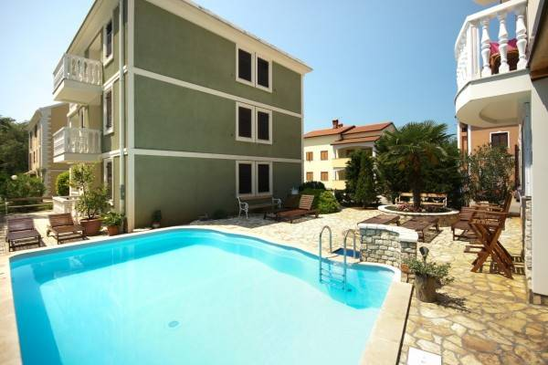 Hotel Apartments and Rooms Degra
