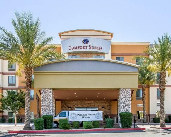 Hotel Comfort Suites Glendale - State Farm Sta