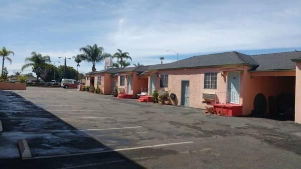 La Petite Rouge Motel
