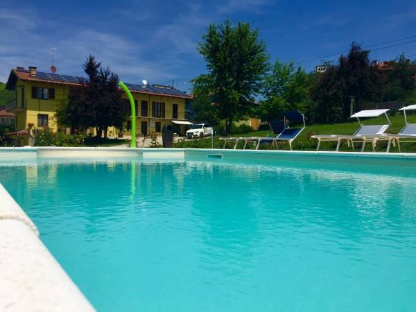 Hotel The Green Guesthouse Your best accommodation near Barolo