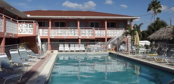 Hotel Holiday Isles Resort