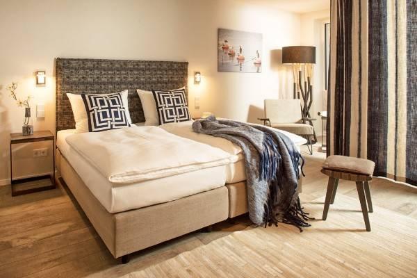 Easy Living Hotel