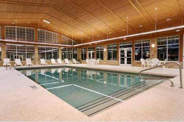 Hotel Swan Lake Resort