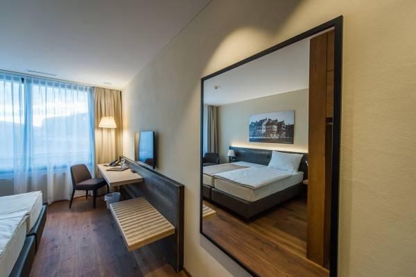 Hotel one66