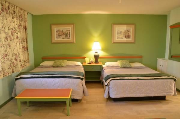 Hotel Sandpiper Springs Spa & Retreat