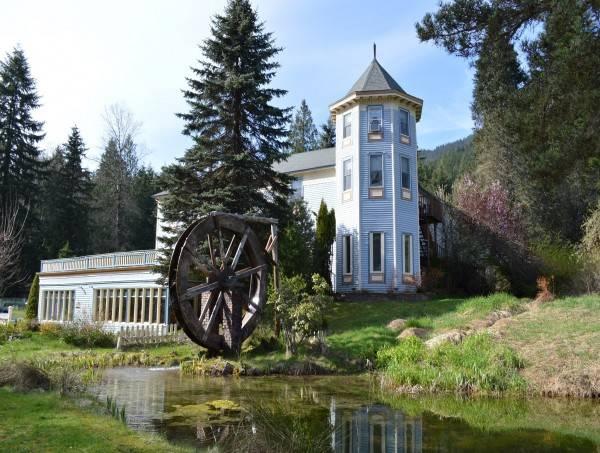Hotel Alexander's Lodge