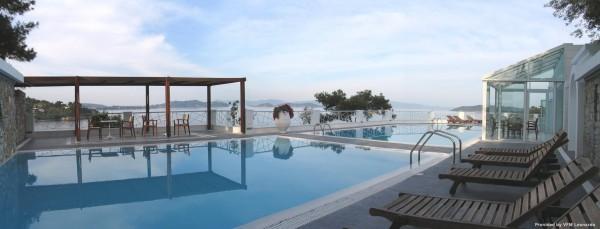 Cape Kanapitsa Hotel & Suites