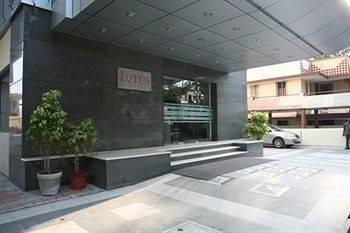 The Lotus Apartment Hotel