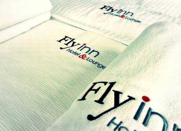 Flyinn Hotel & Lounge