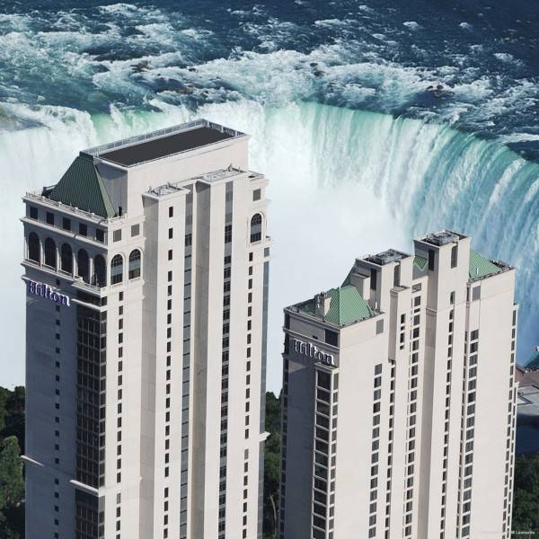 Hilton Niagara Falls-Fallsview Hotel - Suites