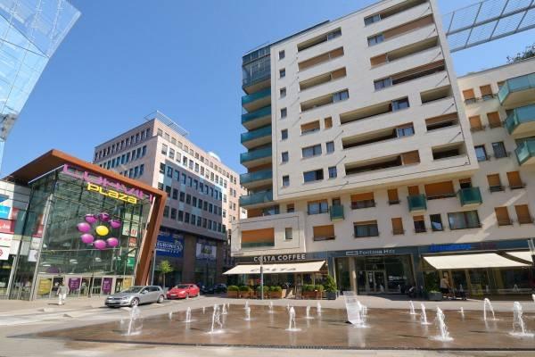 Hotel Corvina Apartments
