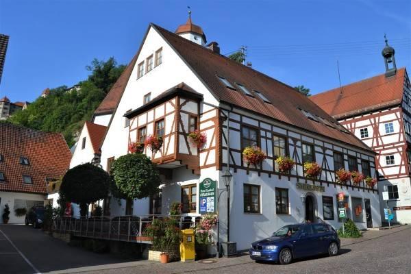 STRAUSSEN Hotel-Restaurant