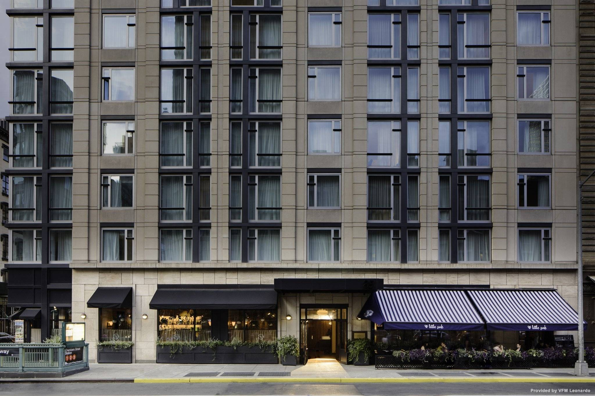 Hotel Aka Tribeca Lif New York New York At Hrs With Free Services