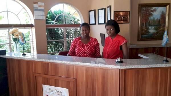 Hotel Rose Petals Guest House