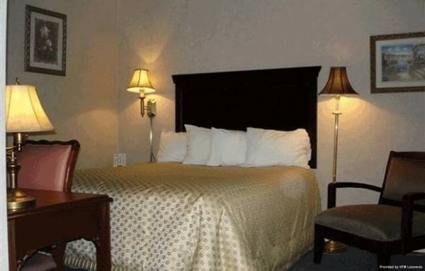 Albany Airport Cocca's Inn & Suites Wolf Rd
