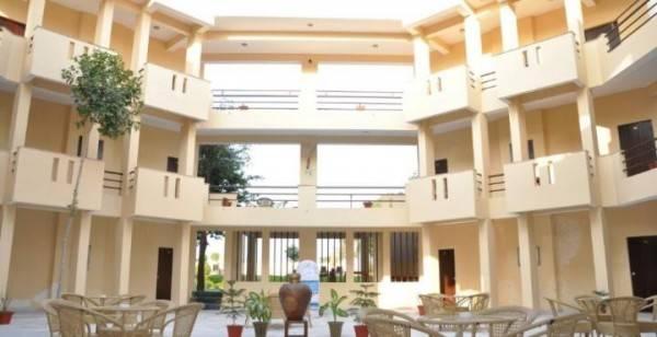 Hotel Kadamb Kunj Resort