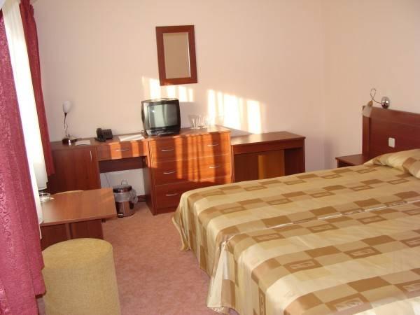 Ela Hotel