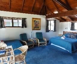 Hotel Pacific Harbour Villas