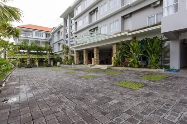 Hotel RedDoorz Plus @ Gunung Salak Street