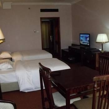 Beijng Jingu Qilong Hotel
