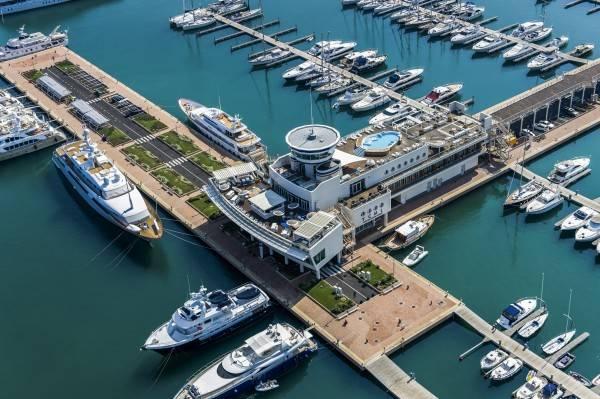 Hotel Yacht Club Marina di Loano