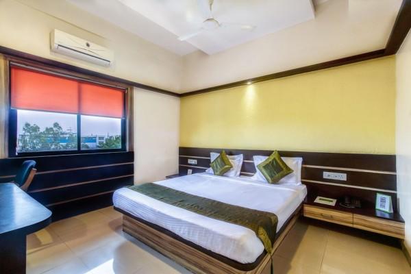 Hotel Treebo Trip Golden Treat