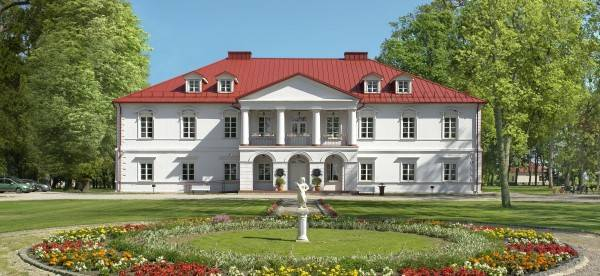 Hotel Bistrampolis Manor