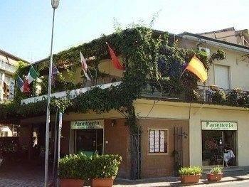 Hotel Lastra Bed & Car