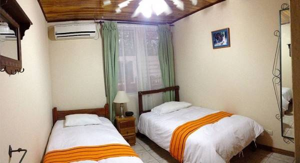 Hotel Turrialba Bed & Breakfast