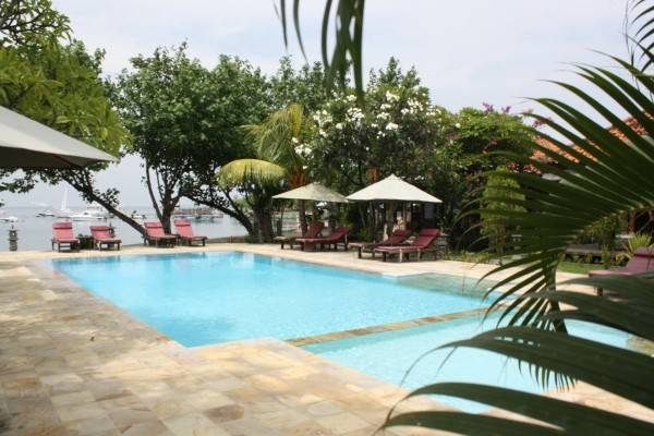 Hotel Adi Assri Beach Resort & Spa