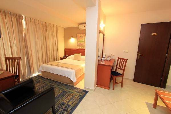 Hotel Triton piraeus-Greece