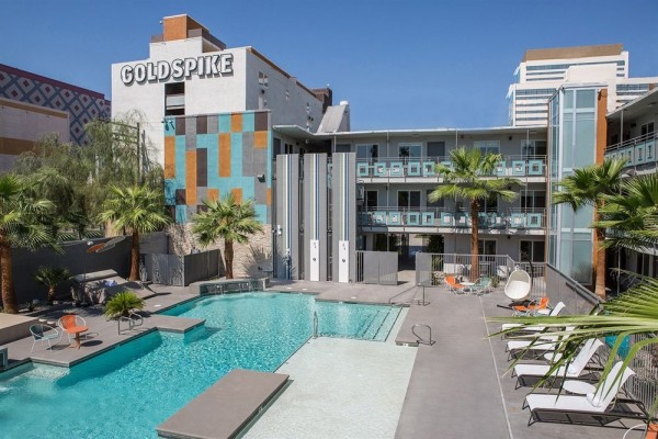 Hotel Oasis at Gold Spike
