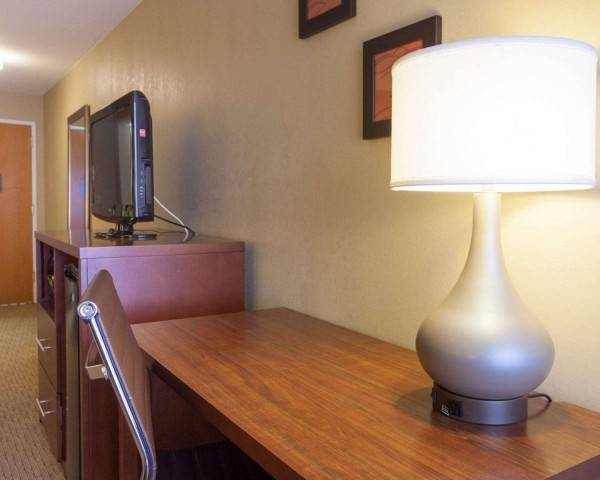 Quality Inn and Suites I-40 East
