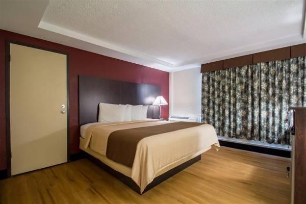 Hotel RED ROOF BATAVIA