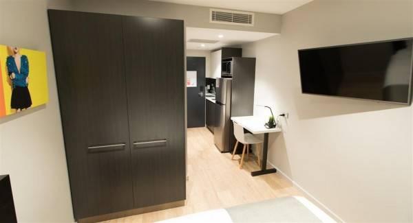 Hotel Studio 8 Residences
