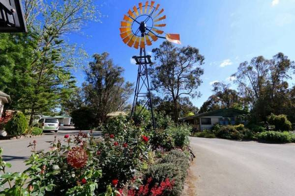Hotel Big4 Ballarat Windmill Holiday Park