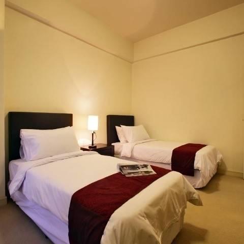 Hotel SRI TIARA