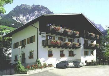 Hotel Erna Mountain B&B