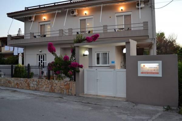 Hotel Pefki Studios