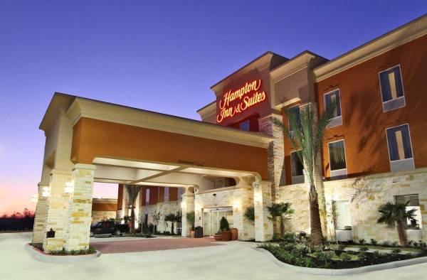 Hampton Inn - Suites Winnie TX