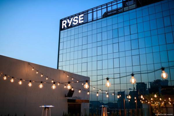 Hotel RYSE Autograph Collection
